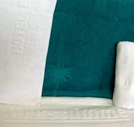 Handtücher mit Logo-Einwebung + Stick Werbeartikel